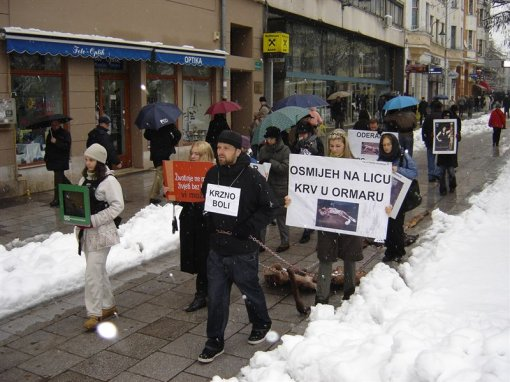Anti-fur demo in Sarajevo 2 [ 117.71 Kb ]