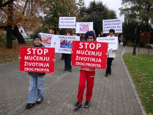 Protest against circuses in Samobor 4 [ 135.25 Kb ]